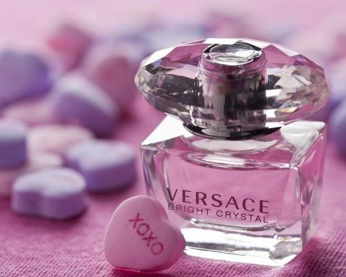 Versace parfum - Top 10 parfumuri Versace pentru femei
